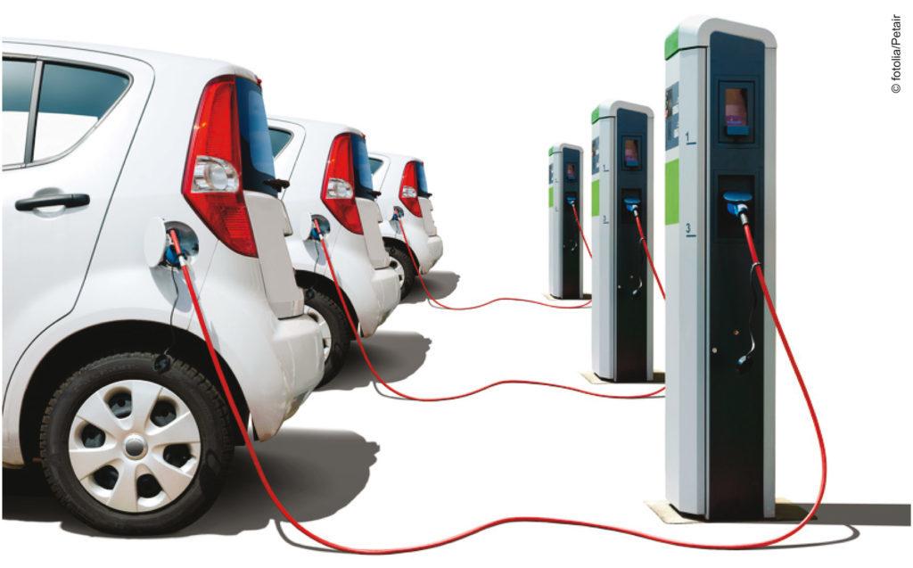 Elektroautos mit Tanksäulen
